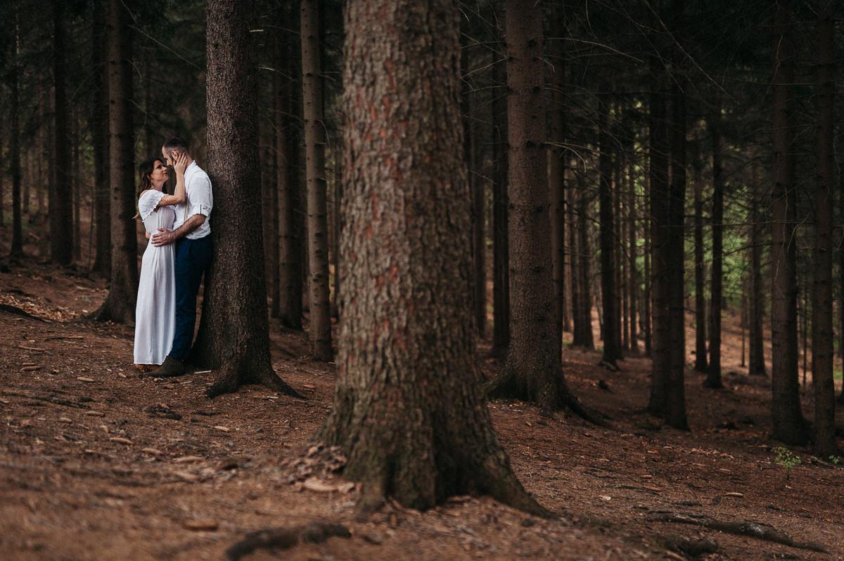Lesna sesja plenerowa w gorach