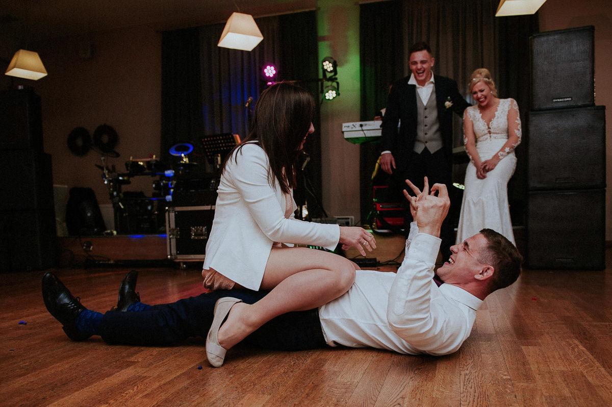 Szalone zabawy na weselu